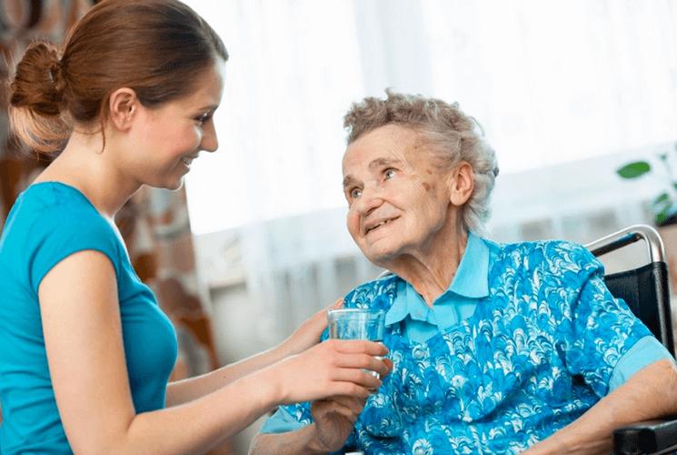 Патронаж за пожилыми людьми старше 80